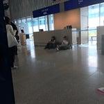 Я в Хельсинки)Самолёт задержали, прилетели в момент вылета, обычно ждут, а тут какое ужасное невезение!В итоге я в 17:00 лечу в Лондон, и потом только в Нью-Йорк). Ваучер на €8, смешно