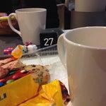 Аэропорт после ремонта:-1. Можно кататься на тележках. 2. Кофейня Picnic-2.90€ House Blend. 3. Alepa на первом этаже можно остальной еды накупить!
