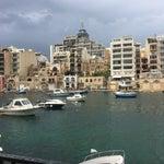 Butik bir havaalanı Taksi sistemini beğendim bilet alıyorsunuz fiatlar belli Maltada küçük ada devleti gezmeğe değermi Evet
