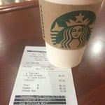 No compren Café de Starbucks en el aeropuerto. Si van a usar tarjeta starbucks o aprovechar una promoción. Presumen que son la única franquicia que no esta dentro de los programas de tarjetas.