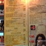 Если хотите перекусить, ешьте до регистрации. Потому что в стерильной зоне внутренних рейсов бутерброд стоит 2100 тг, кружка кофе 750, алкоголь вообще как по билета стоит:(