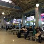 Используя киоски самостоятельной регистрации на внутренние рейсы можно самому выбрать место в самолёте.