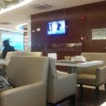 На внутренних линиях lounge тоже отличный. Повар делает яичницу при вас, отличный чай пуэр