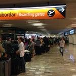 Si vas a viajar en Volaris en vuelo nacional, necesitas 3 horas para estar en tiempo en sala de abordar... Pésima organización Volaris