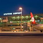 Uluslararası kavramının hakkını veren, çok farklı milletlerden insanları görebileceğiniz dünyadaki en iyi havalimanı