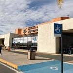 Muy pequeño para la Cd de Aguascalientes; deben crecer y ofrecer mejor servicio