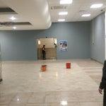 На 2-м этаже открылся зал повышенной комфортности. За 500 рублей можно уютно разместиться и пить чай в ожидании вылета.