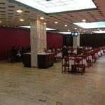 Лучше всего кушать в РЕСТОРАНЕ на 3-м этаже, а не в кафе на 2-м. В Ресторане ( МАК) и вкуснее и цены ниже чем на втором этаже.
