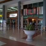 Selamat Datang di Bandara International Adi Sumarmo....