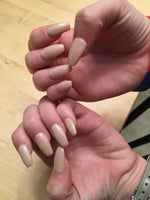 Dainty's Nails and Pedicures