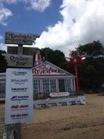 Tim's Rivershore Restaurant and Crabhouse