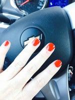 L V Nails