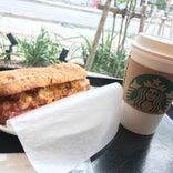 Starbucks Coffee 沖縄津嘉山店