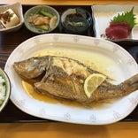仲泊海産物料理店