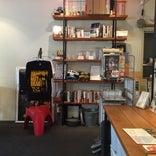 CoMA coffee&bookstore