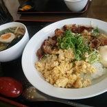 ラーメン食堂 黒〇 -KUROMARU-
