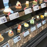 Pâtisserie PIERRE PRÉCIEUSE 覚王山