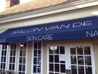 Salon Van De