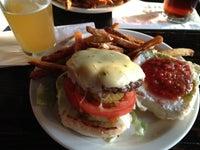 Short's Burger & Shine