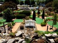 Mini Falls Mini-Golf and Par 3