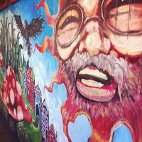 Photo taken at Mellow Mushroom by Alex C. on 4/23/2012