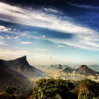 Photo taken at Vista Chinesa by Gustavo on 8/4/2012
