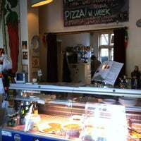5/17/2012 tarihinde Ton D.ziyaretçi tarafından Cucina Casalinga'de çekilen fotoğraf