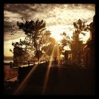 Foto tomada en Sky Terrace at Hudson Hotel por Geoff D. el 6/14/2012