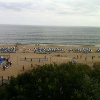 Photo taken at Gurney's Montauk Resort and Seawater Spa by Usewordswisely on 7/29/2012