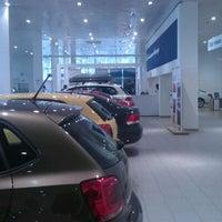 Снимок сделан в Volkswagen Центр Север пользователем Ксения К. 2/21/2012