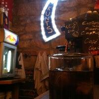 Das Foto wurde bei Bar Loco von Saravanan am 6/30/2012 aufgenommen
