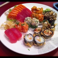 Photo taken at Hideki Sushi Bar e Restaurante by Bruno F. on 4/30/2012