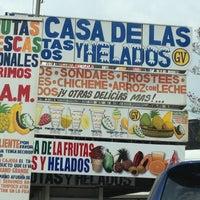 Foto tomada en La Casa de las Frutas, Jugos y Helados por Beli S. el 3/4/2012