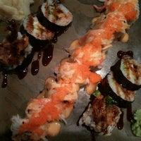 Foto scattata a Umi Sushi Bar & Grill da Virginia . il 3/9/2012