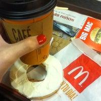 Foto tirada no(a) McDonald's por Gisela P. em 6/5/2012