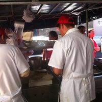 Foto tomada en Tacos Juan por Polie P. el 5/26/2012