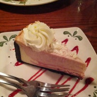Photo taken at Olive Garden by Jay L. on 8/9/2012