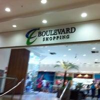 Foto tirada no(a) Boulevard Shopping por Ana Maria C. em 6/7/2012
