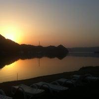 รูปภาพถ่ายที่ Kız Kumu Plajı โดย Aslihan T. เมื่อ 6/16/2012