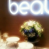 Photo taken at beauté équilibrée medical spa by Aran_Dr_Fun on 2/22/2012