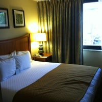 Photo taken at Embassy Suites by Hilton Orlando International Drive Jamaican Court by Kelly G. on 5/6/2012