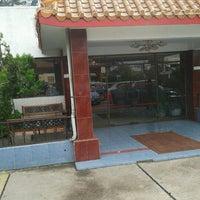 Foto tomada en Restaurant Lotus Flower por  Carlos V. el 7/2/2012