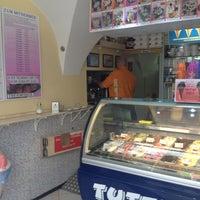 Das Foto wurde bei Tuttifrutti Gelateria von Thomas F. am 5/24/2012 aufgenommen