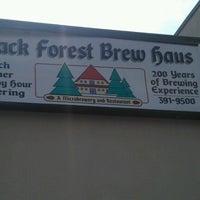 Foto tomada en Black Forest Brew Haus por Michael S. el 9/2/2012