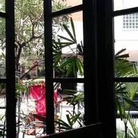 Das Foto wurde bei The Kiosk Coffee Bar von Gumy G. am 6/2/2012 aufgenommen