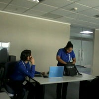 Photo taken at Samsung Ecuador by Fernando E. on 4/23/2012
