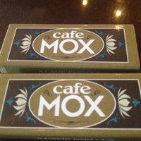 Foto scattata a Cafe Mox da J S. il 7/25/2012