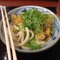 Photo taken at 丸亀製麺 宮崎住吉店 by Masaomi S. on 4/30/2012