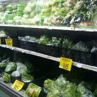 Foto tirada no(a) Master Supermercados por Biss L. em 2/21/2012