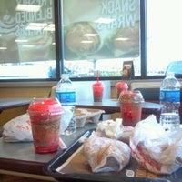 Photo taken at Burger King by 🇯🇲Biggz🇻🇮 on 4/14/2012